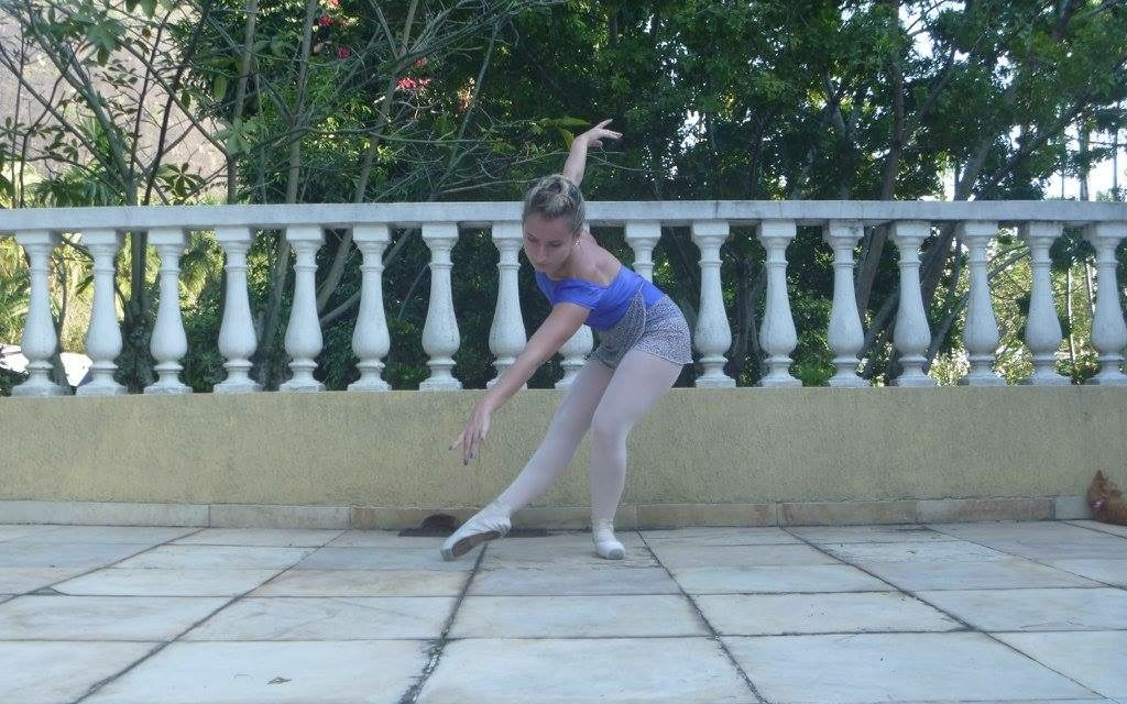 Fazer ballet sozinha em casa: pode ou não pode?